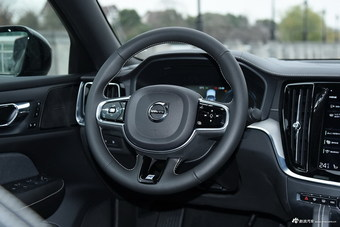 2020款S60 T8E驱混动四驱智雅运动版