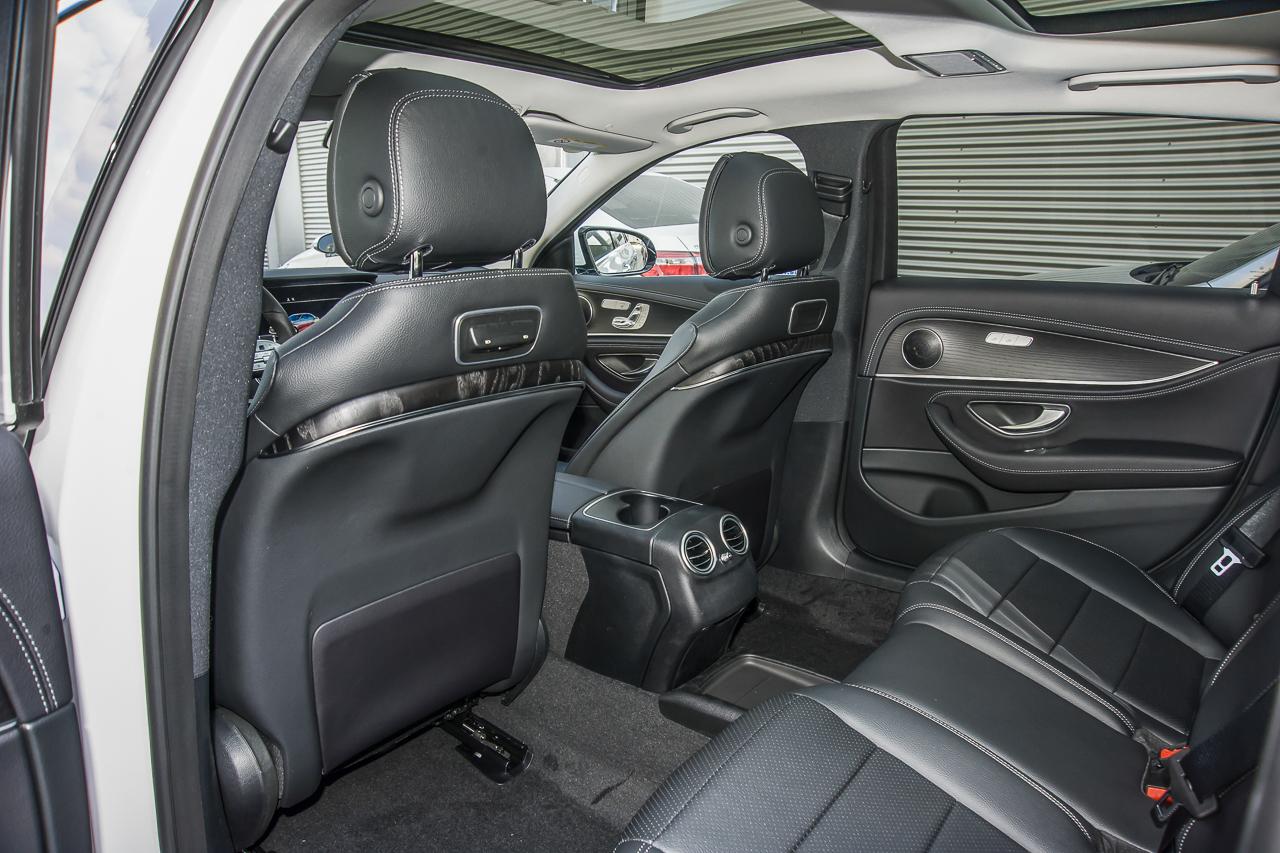 2020款奔驰E级2.0T自动 300L 运动时尚型