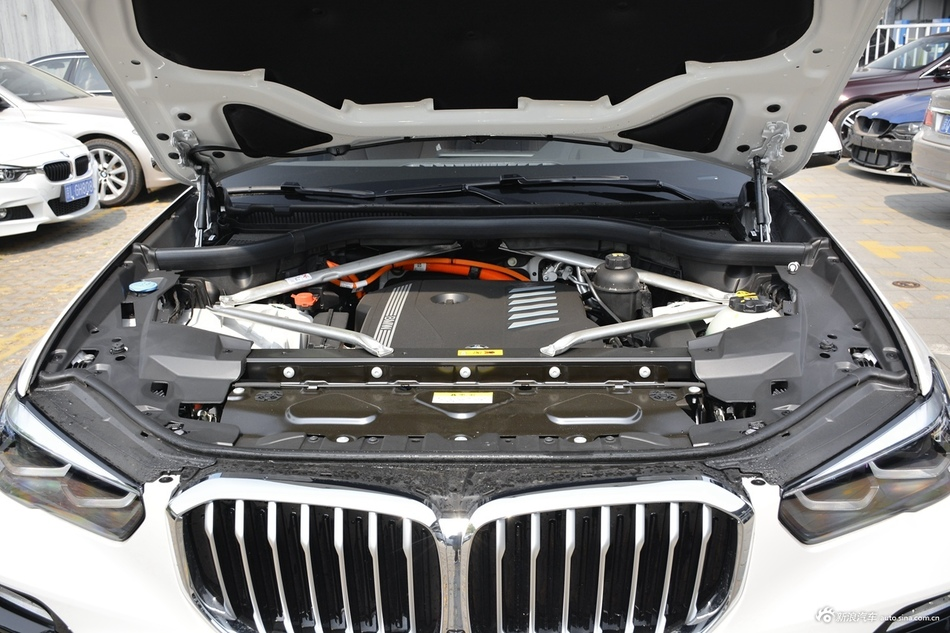 2020款宝马X5混动xDrive45e M运动套装