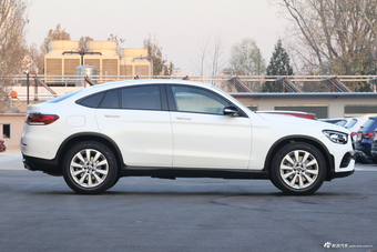 2020款奔驰GLC 260 4MATIC轿跑SUV